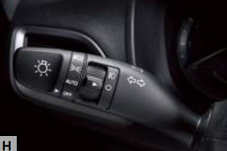Nội thất Hyundai Accent 1.4 AT Đặc Biệt - Hình 12