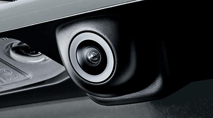 Camera lùi giúp bạn quan sát tình trạng phía sau xe