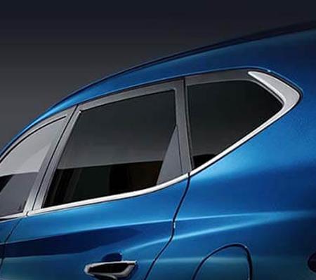 Viền cửa ốp nguyên khối giúp thân xe cứng cáp